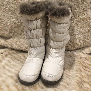 Totes Fur Top Winter Boots SZ 6 Preowned off White